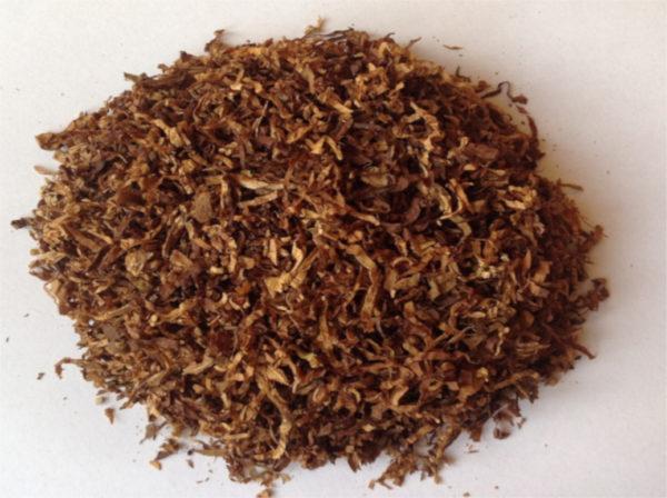 Mocny tytoń suszony Red & White Red do skręcania własnych papierosów