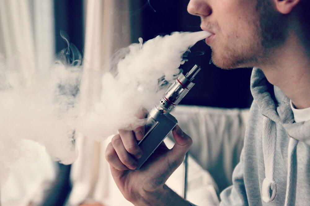 Facet paruje e-papieros, szkodliwość vapingu