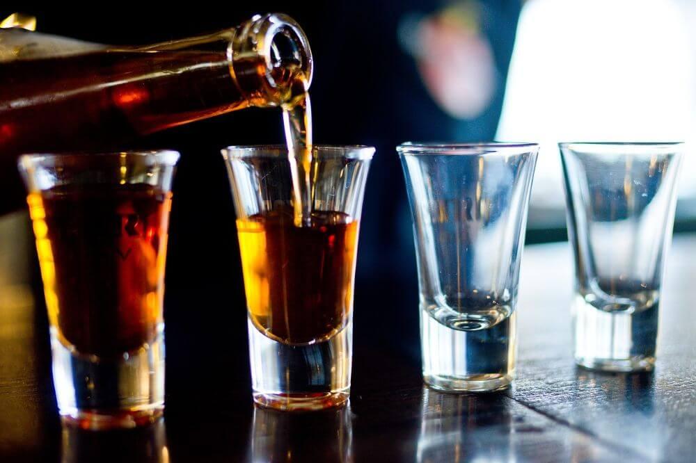 Shoty whiskey alkohol szkodliwość