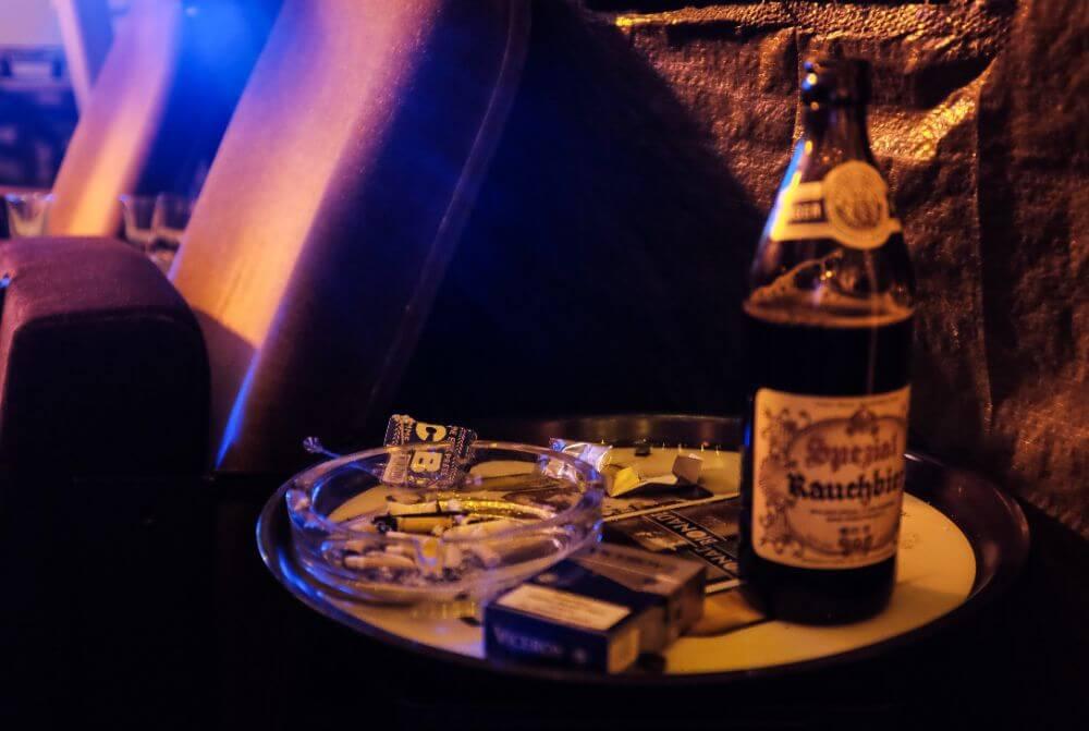 Piwo Rauchbier w niemieckim barze
