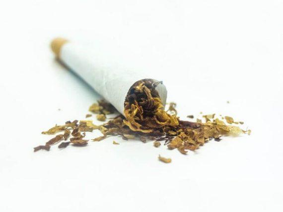 Papieros skręcany z tytoniu