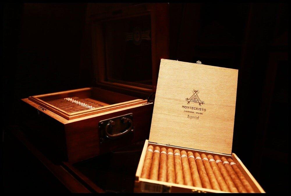 Opakowanie luksusowych cygaro Montecristo