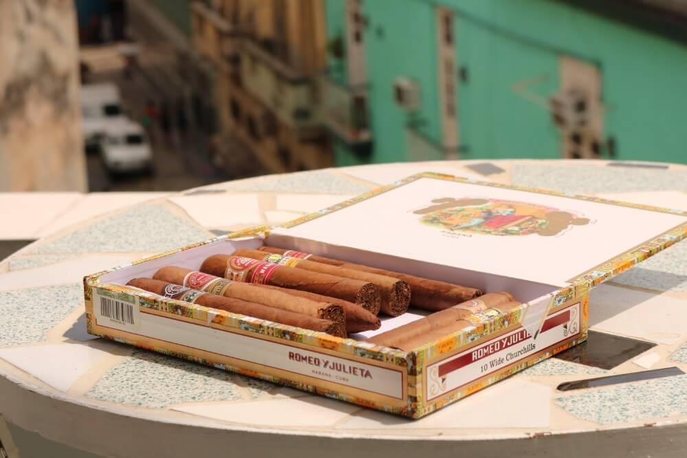 Opakowanie z 10 cygaro kubańskich Romeo y Julieta